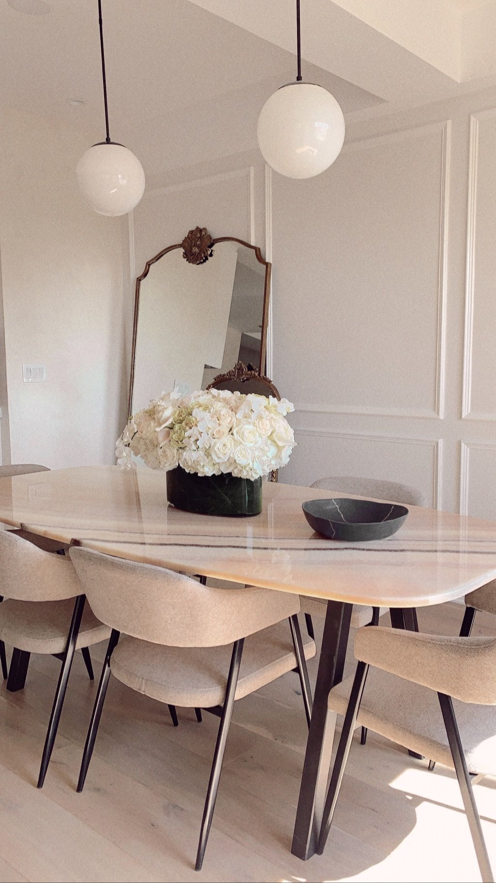 French Parisian Dining Room Interior Design Marble Dining Table Dining Table Marble Marble Dining Dining Room Design