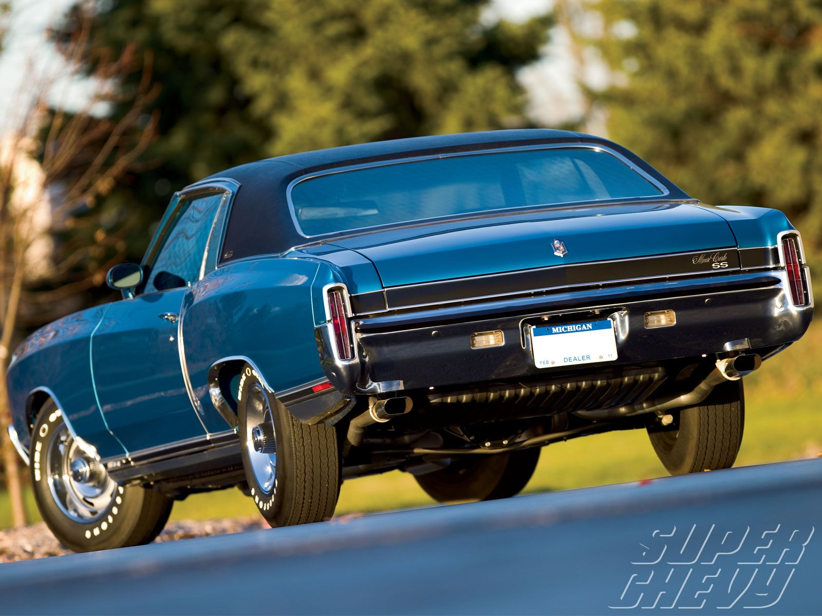 1971 Monte Carlo But Navy Blue With Leather Interior And Swivel Bucket Seats We Had This Once Chevrolet Monte Carlo Chevy Monte Carlo Chevy Muscle Cars