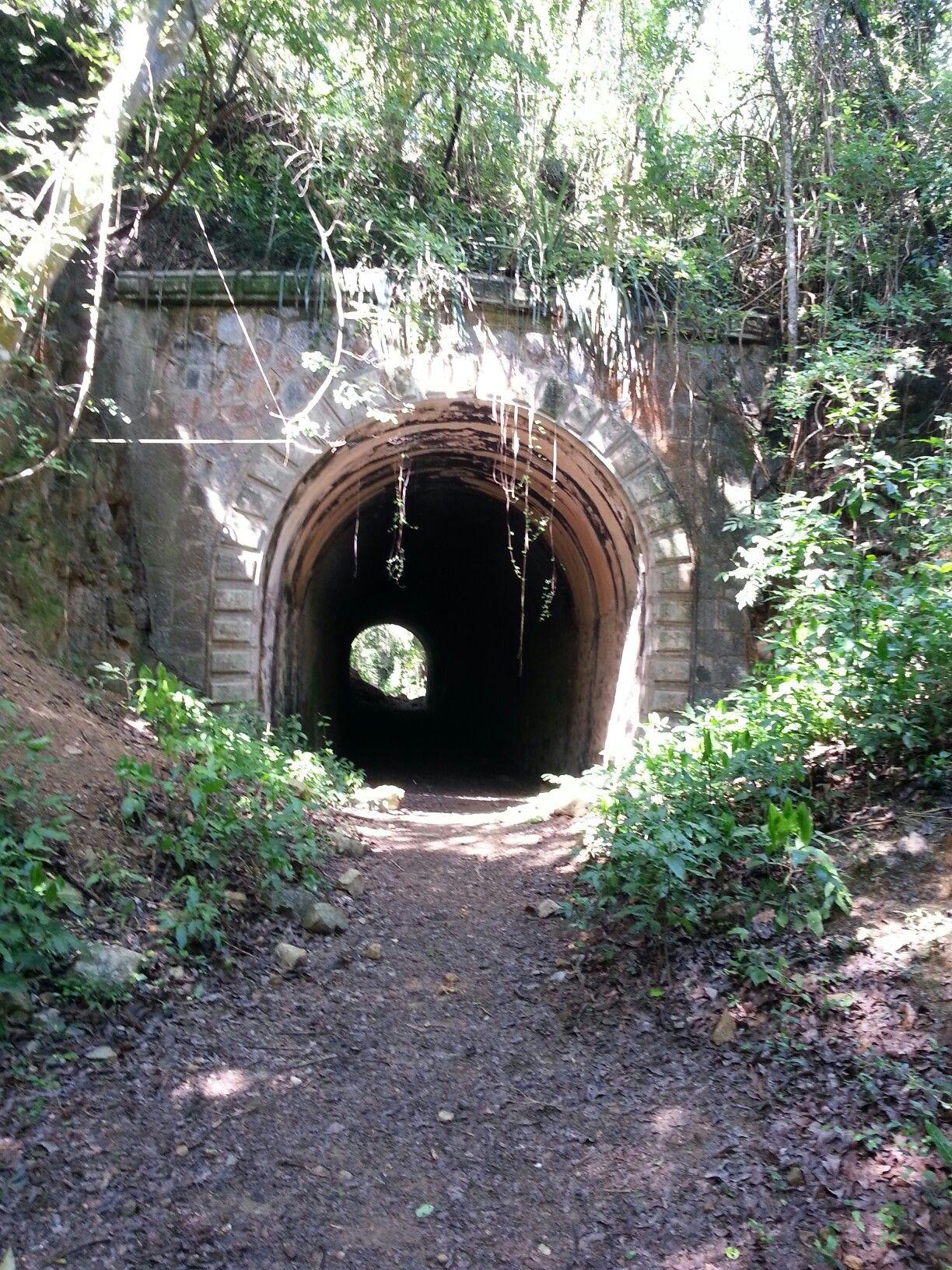 Tunel De Guaniquilla, Cabo Rojo