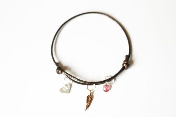 Personalized Thread Bracelet.Charm Bracelet.Initial by LittleTuvi