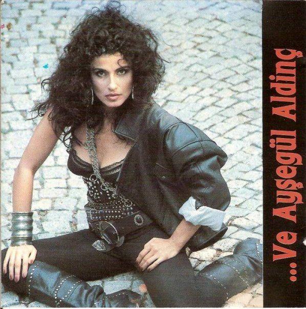 1988 - Ve Ayşegül Aldinç