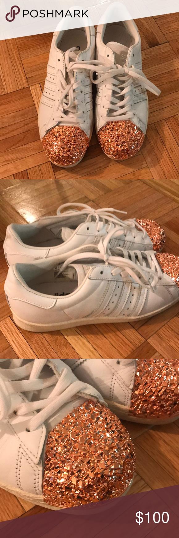Adidas rare superstars rose gold toe size 9 These adidas