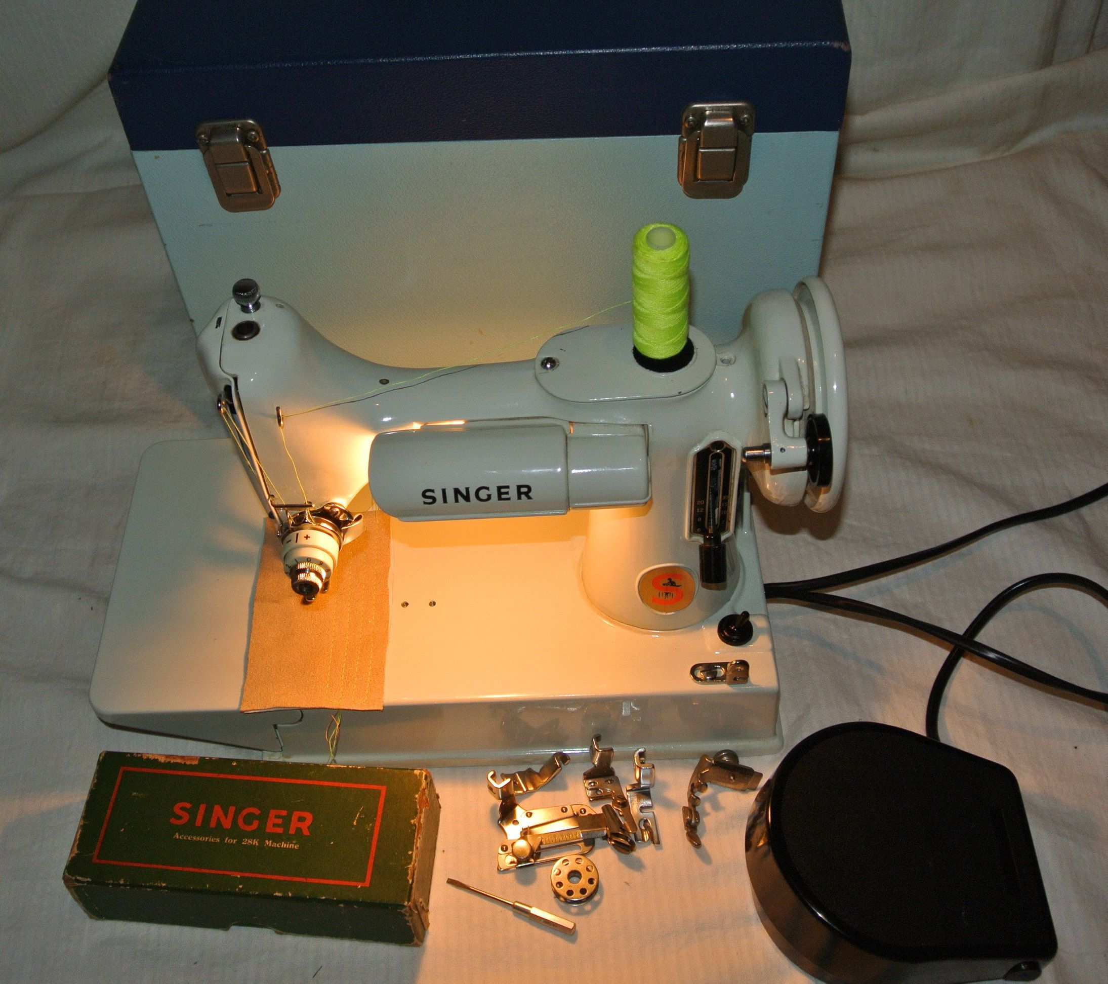 White Singer 221k Featherweight Sewing Machine Attachments