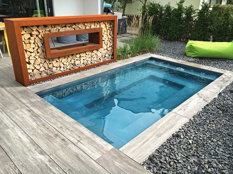 kleiner pool im garten pool f r kleine grundst cke pool pinterest. Black Bedroom Furniture Sets. Home Design Ideas