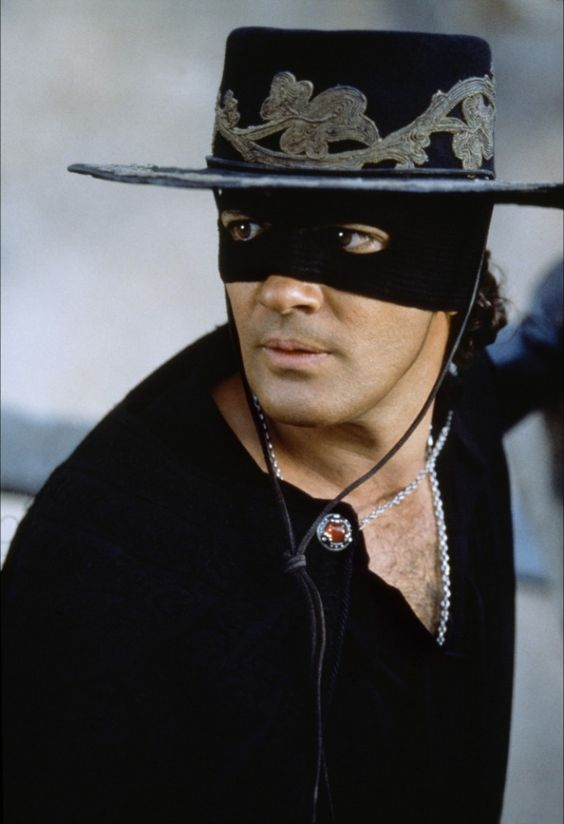 Zorro Antonio Banderas On Horse Pin by Bonnie Nash on ...