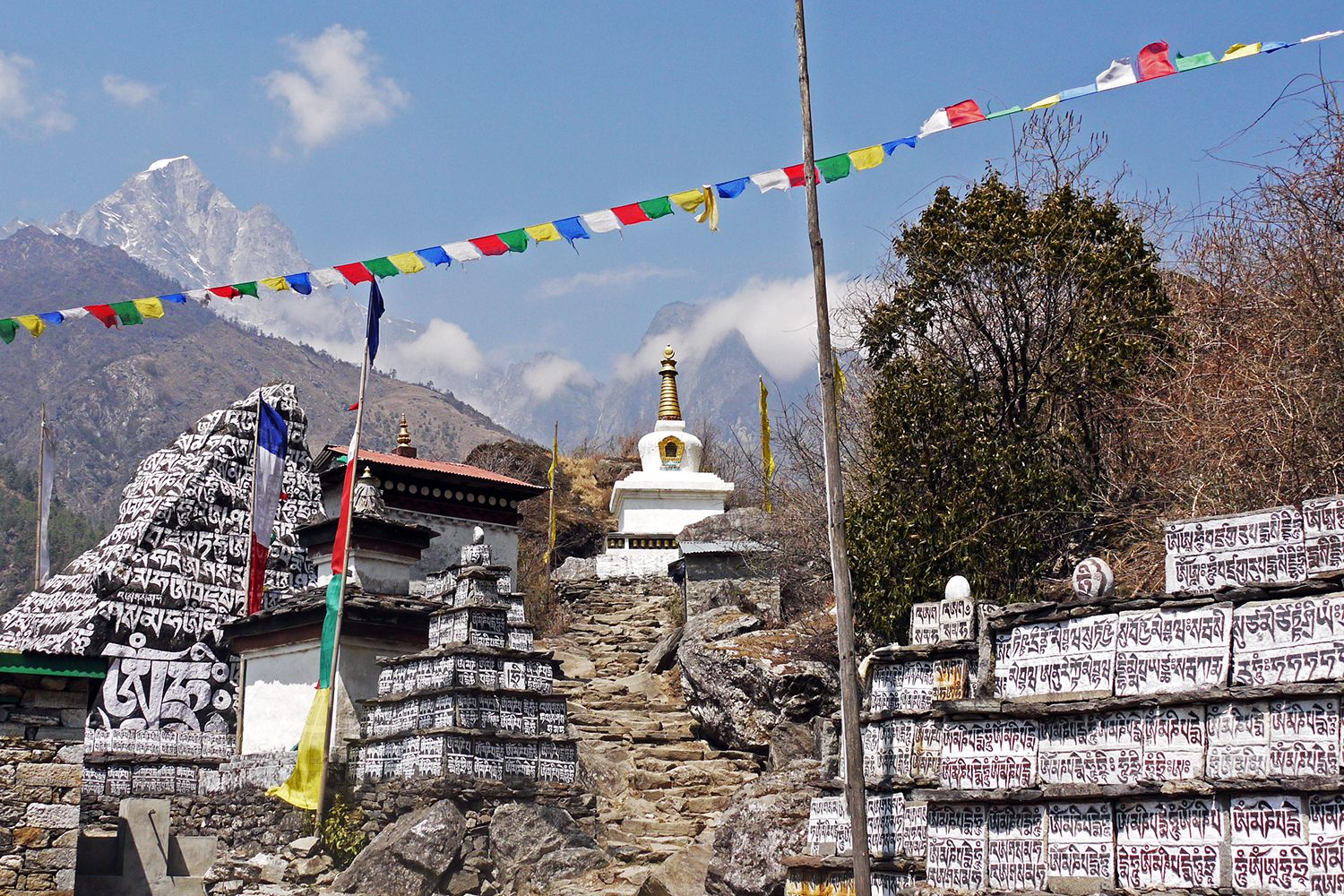 Wandering On Travel Blog   22 Everest Base Camp Photos That Will Make You Want…