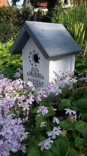 Nistkästen & Vogelhäuser - Vogelhaus im Shabby Look  individualisiert - ein Designerstück von Holzallerliebst bei DaWanda