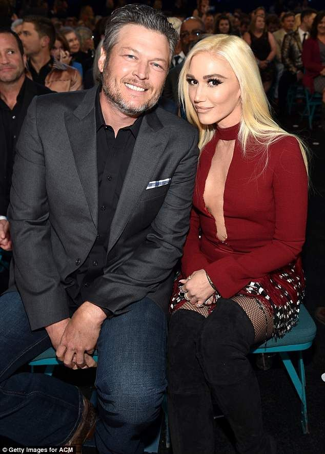 Gwen Stefani gets hearts racing supporting Blake Shelton