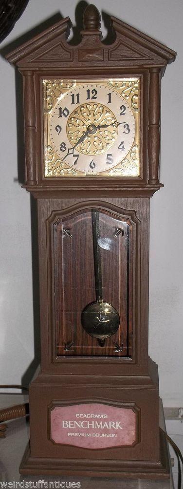 Exceptionnel Seagramu0027s Benchmark Premium Whiskey Small Grandfather Clock Plastic Tabletop