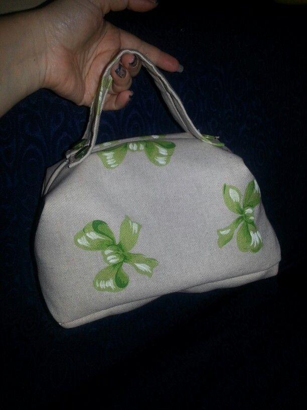 Beauty case con fiocchi verdi