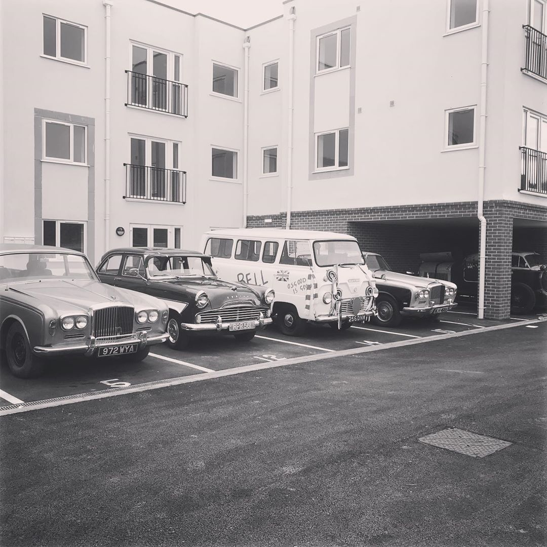 bentley ford Thames retro classic vintage flats