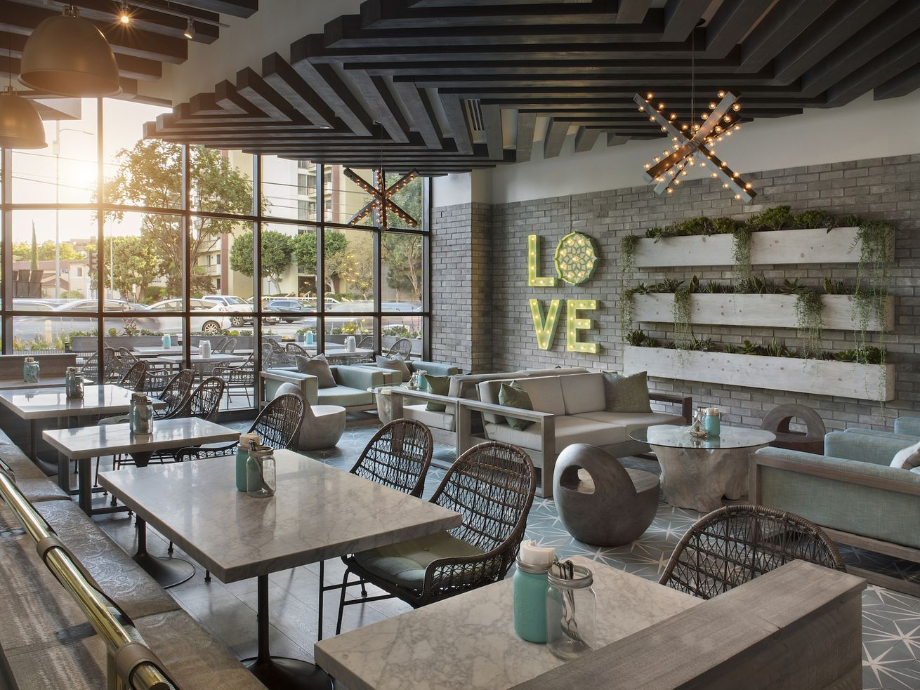 Tocaya Organica Does Healthy Mexican at Crowded Beverly ...