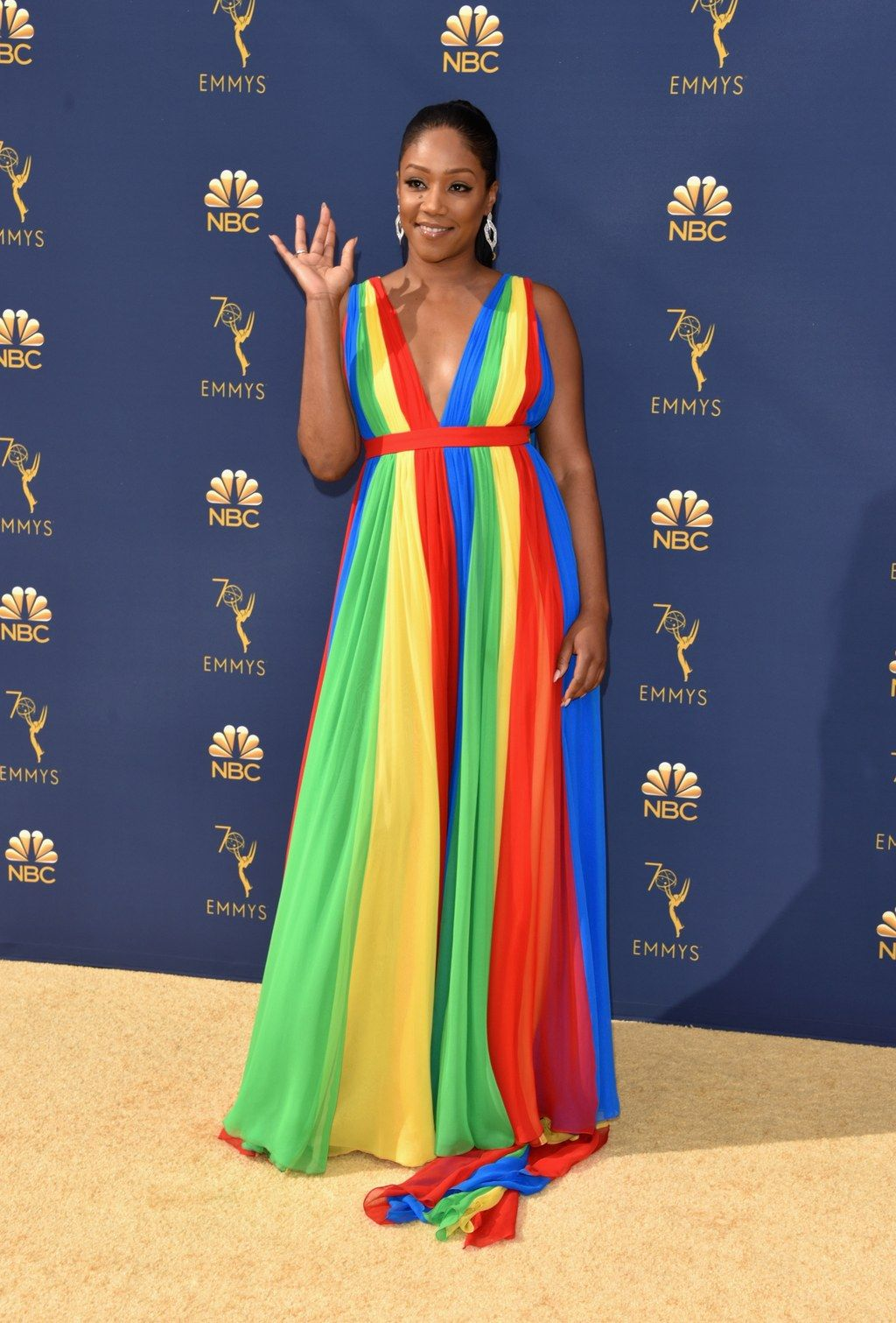 The best looks from the emmys red carpet in red