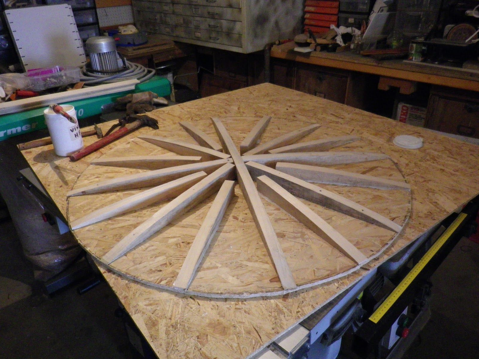 Human Synaptic Mess Tutoriel Pour La Fabrication D Un Bouclier Rond Lenticulaire Viking Shield Wooden Shield Medieval Shields