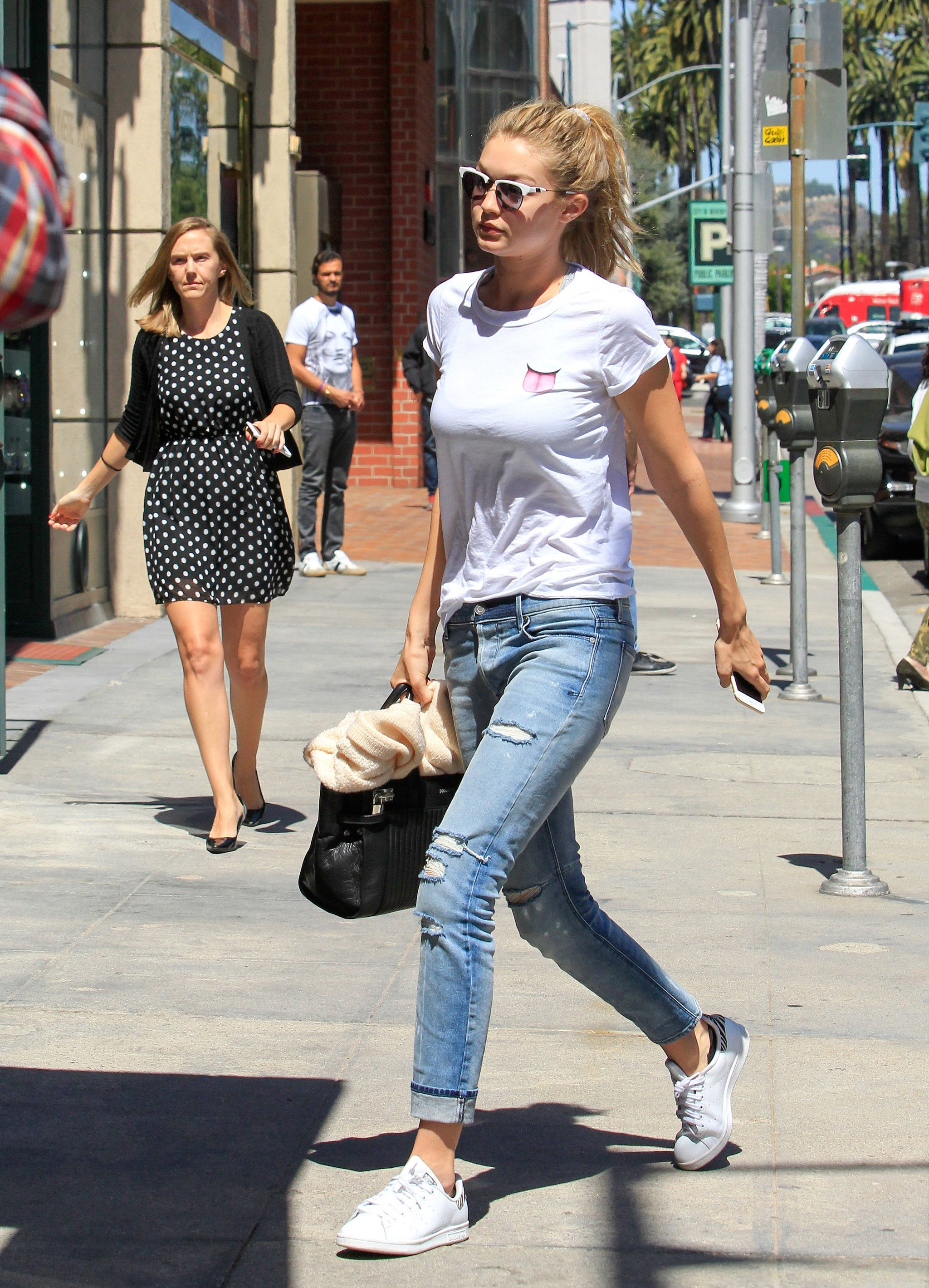 I love just a basic outfit worn in a way. Gigi Hadid StyleBasic Outfits Sneaker ...