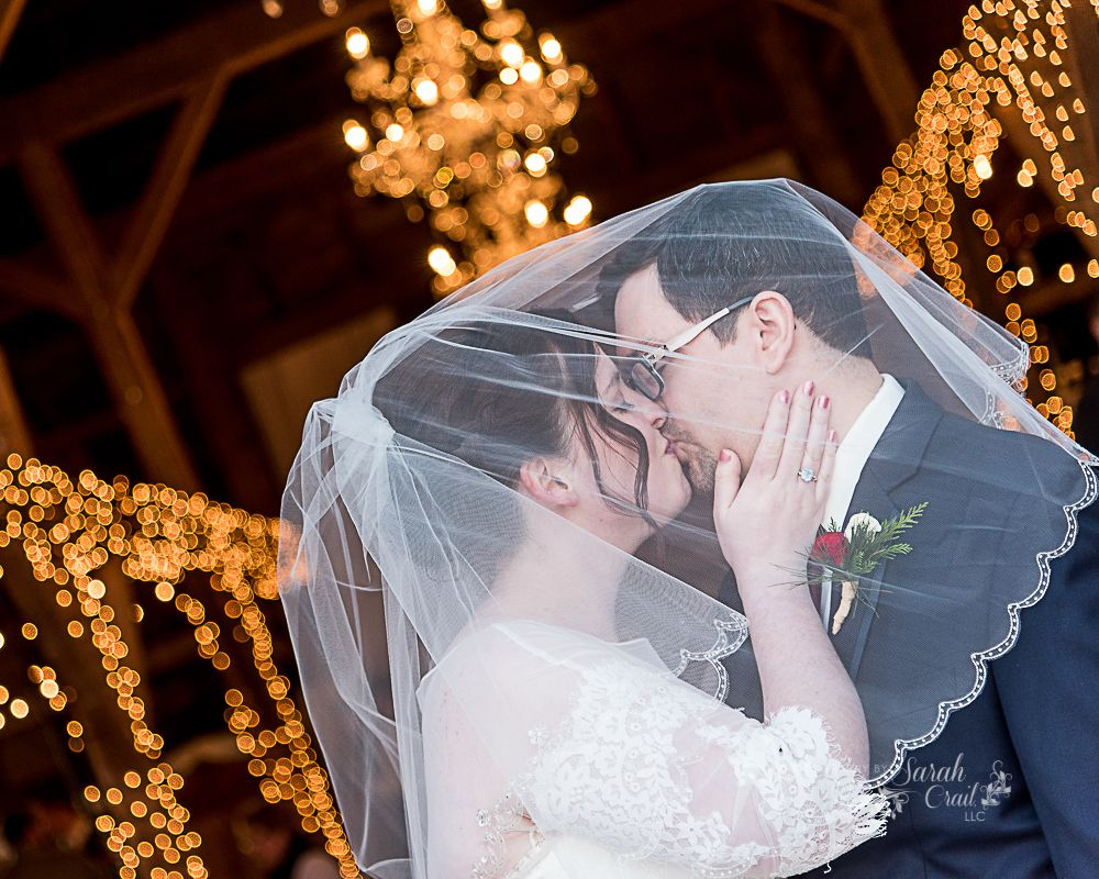 A Christmas Kiss Under The Twinkle Lights Weddings By Sarah