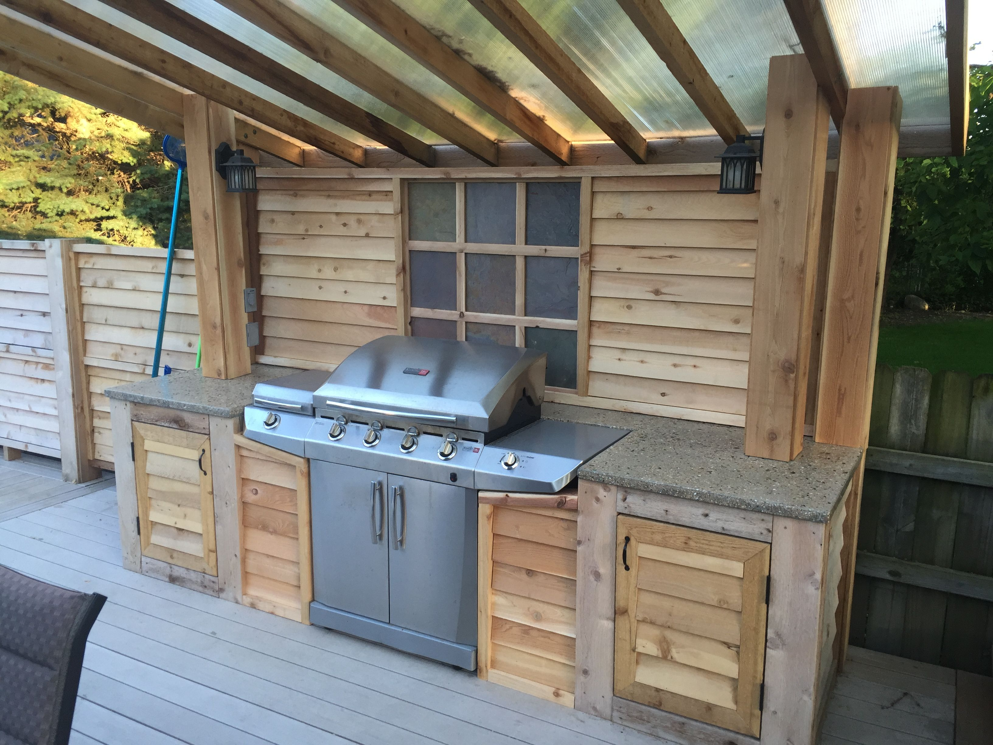 Build Grill Surround Of Wood