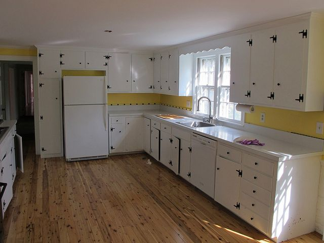 Painted cabinets and knotty pine floor in the kitchen knotty pine pine flooring and pine - Knotty pine cabinets makeover ...