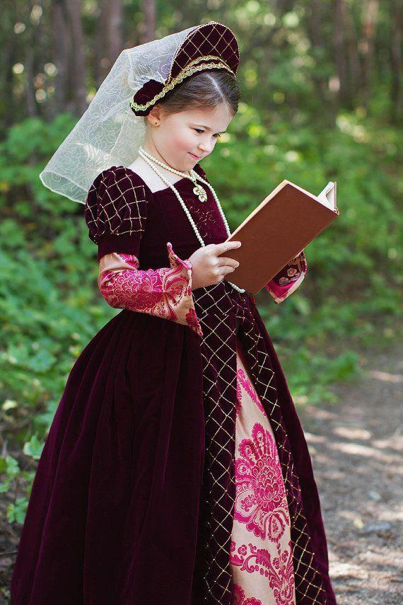 Beautiful costume - very much like the colour of Matildau0027s dress.  sc 1 st  Pinterest & Girls velvet costume Girls Tudor Costume Halloween princess ...