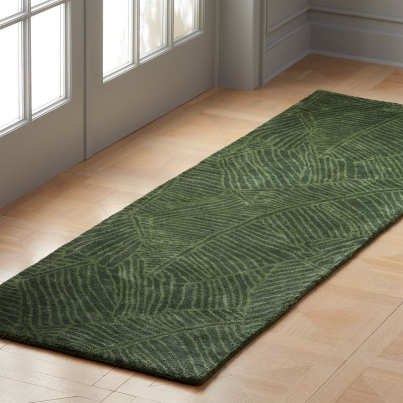 Shop Brooke Green Palm Frond Runner 2 5 X8 Inspired By The Latest In Fashion And Interiors This Lush Palm Frond Rug We Rugs Modern Rug Runner Modern Runner