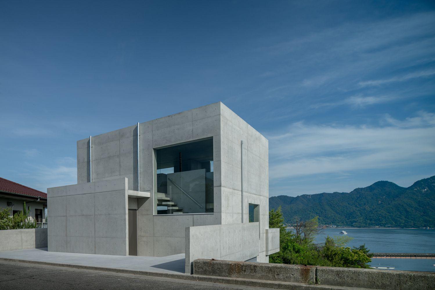 Gallery Of House In Ajina Kazunori Fujimoto Architect Associates 13 Concrete House Architect House
