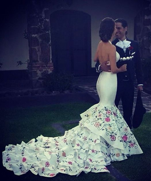 Flower Embroidered Long Tail And Flowers Embroidered Wedding Dress. Mexican  ...