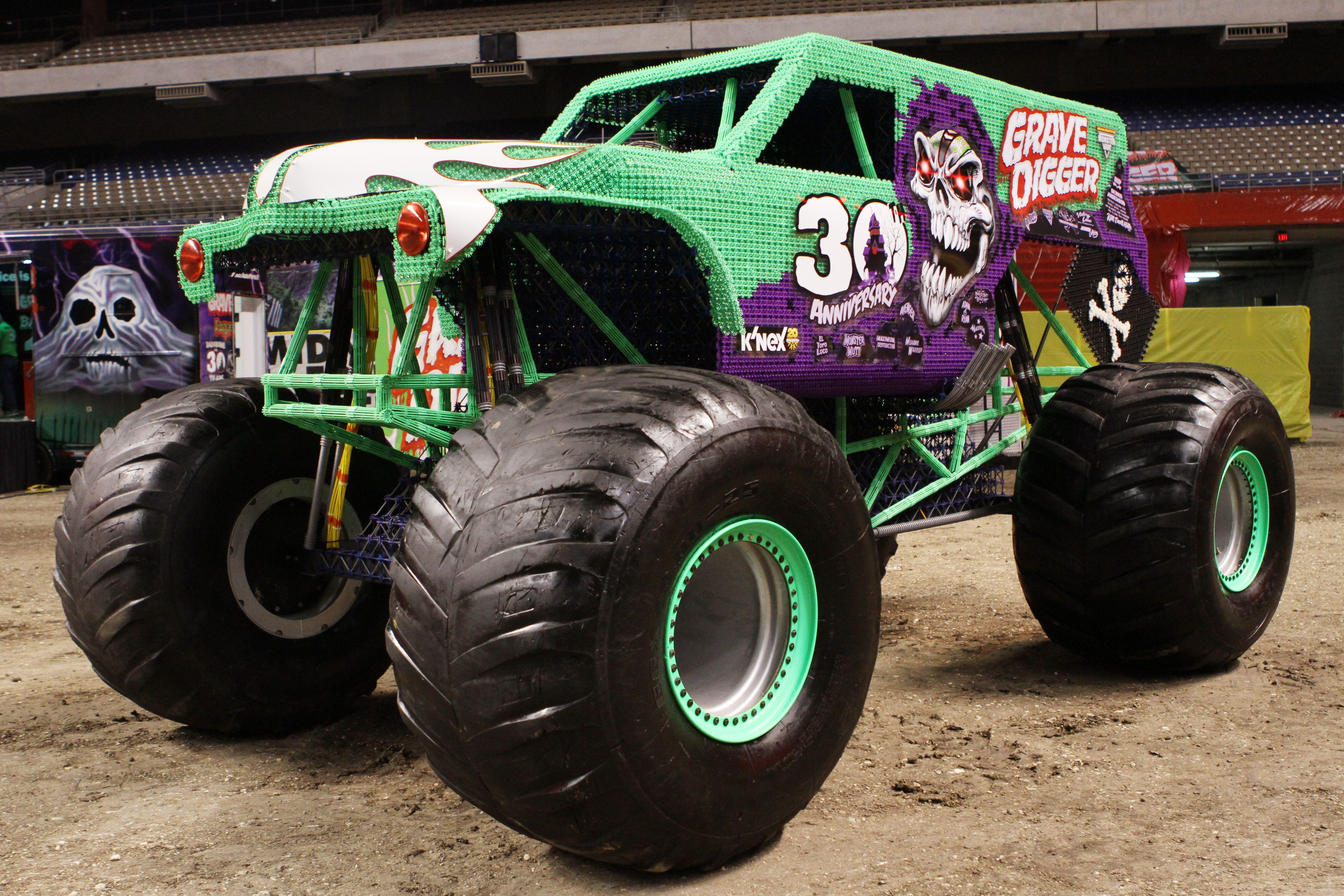 The Grave Digger 30th Anniversary K Nex Big Build A Life Size Replica Of The Famous Monster Jam Truck Built Fr Monster Trucks Monster Truck Cake Cool Trucks