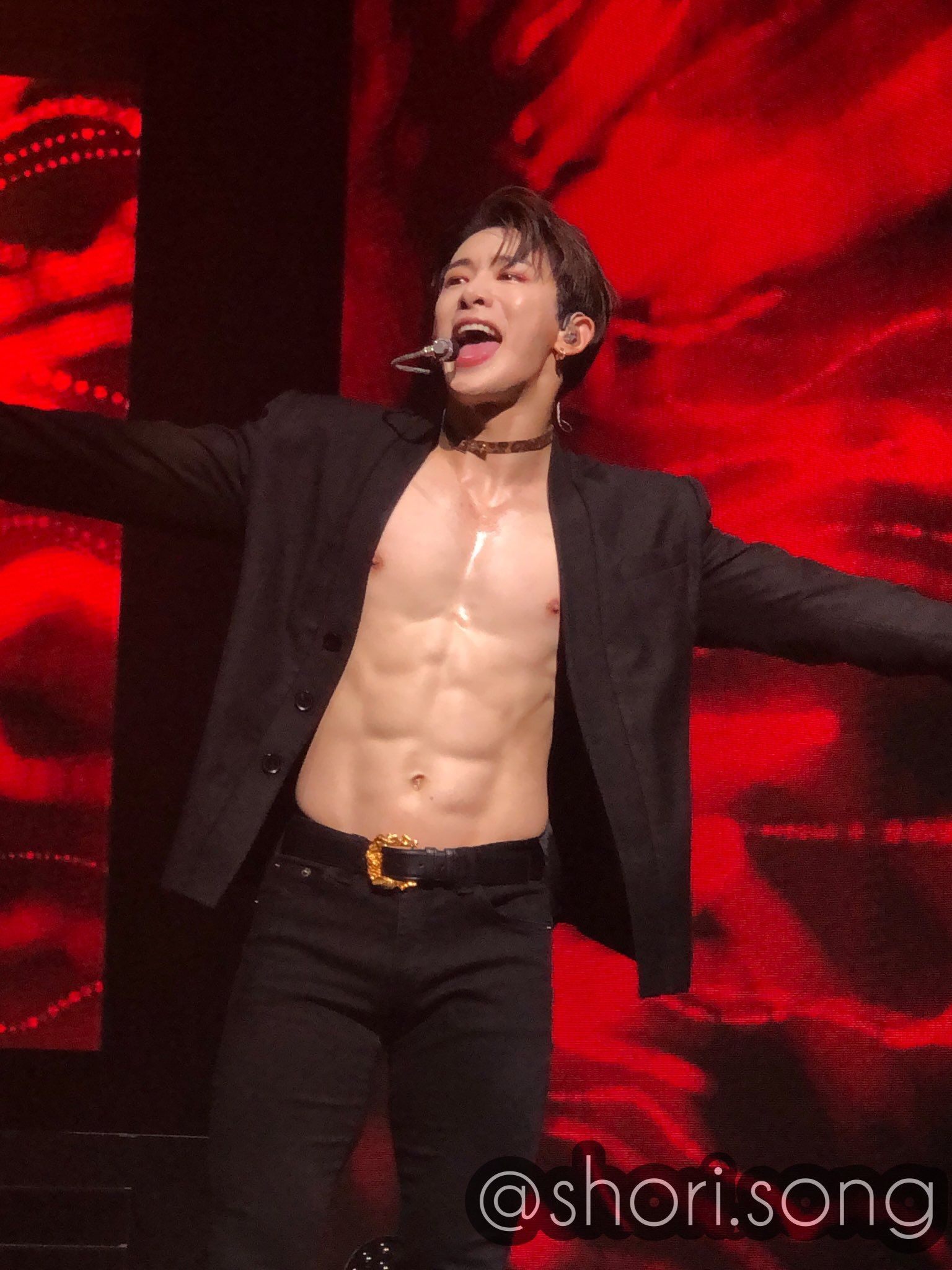 Pin By ±½áµƒË¡áµ‰â¿ On Black Haired Wonho Monsta X Wonho Wonho Abs Monsta X