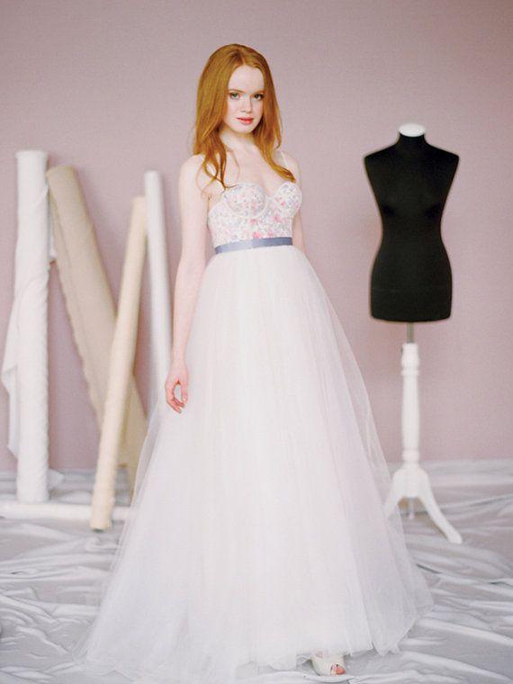 Chrissie // Wedding dress with flower print / Printed wedding gown ...
