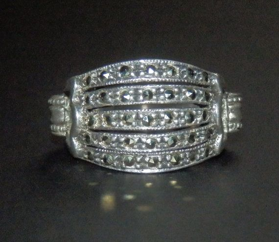 """5-band Marcasite on 925 Sterling Silver """"Petit"""" Ring - Collector's item!"""