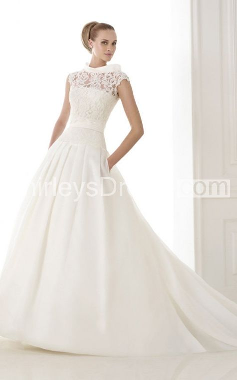 Stuning Strapless Ruched Wedding Dress With Pocket and Lace Bodice
