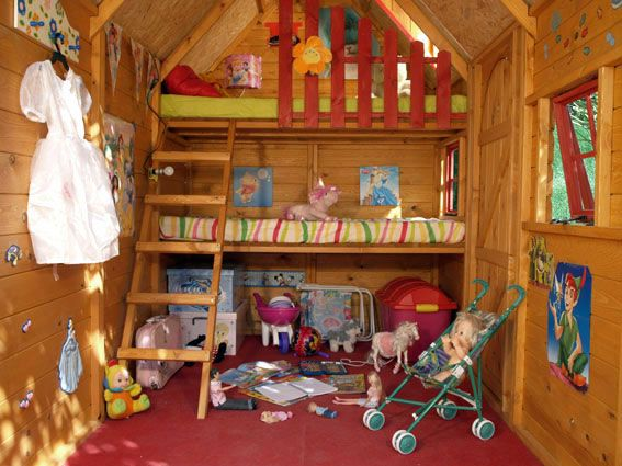 Casa prefabricada ninos interior idei pentru acas for Casitas madera decoracion
