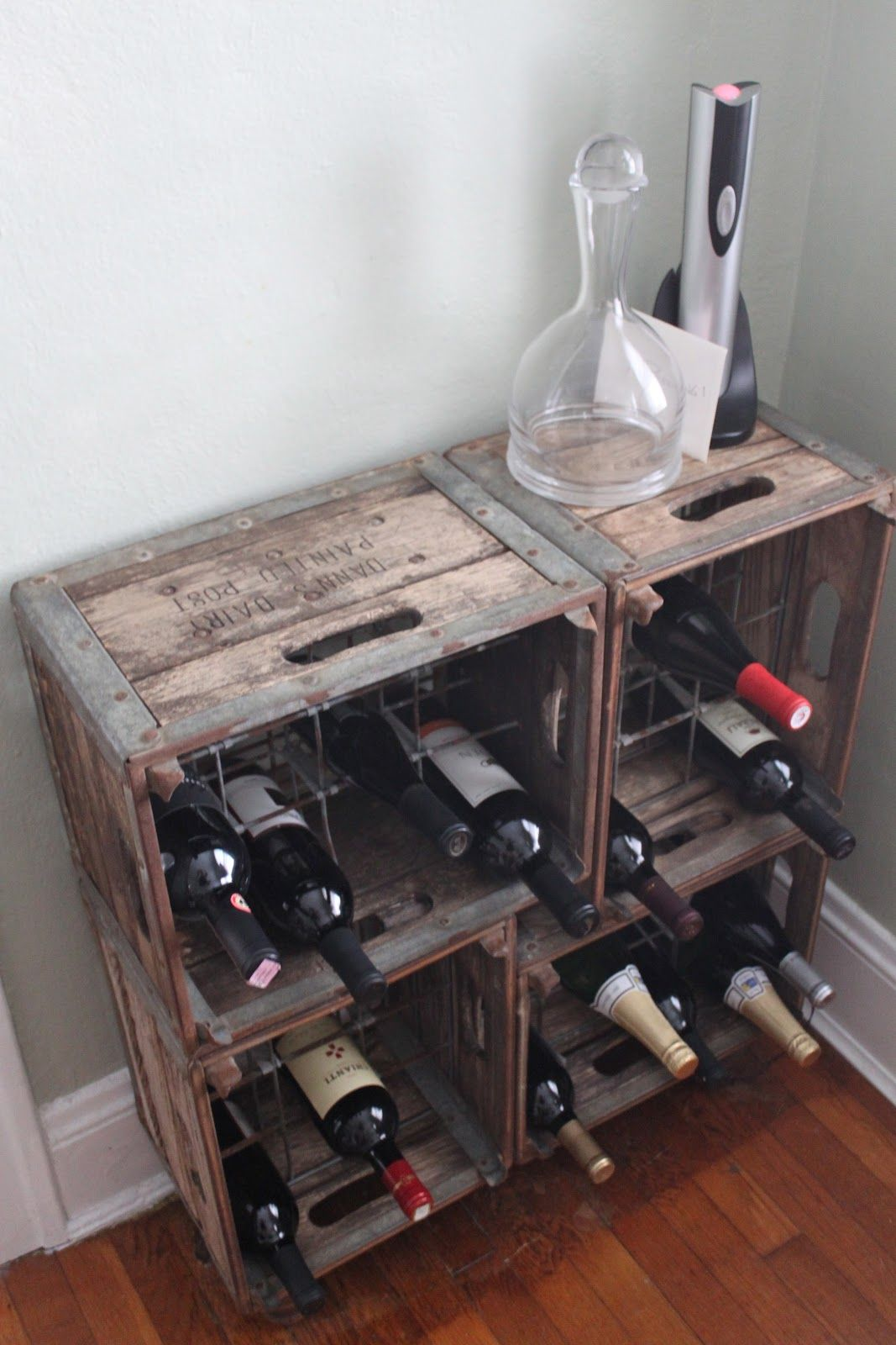 Wine rack made from old milk crates diy pinterest for Where can i find old wine crates