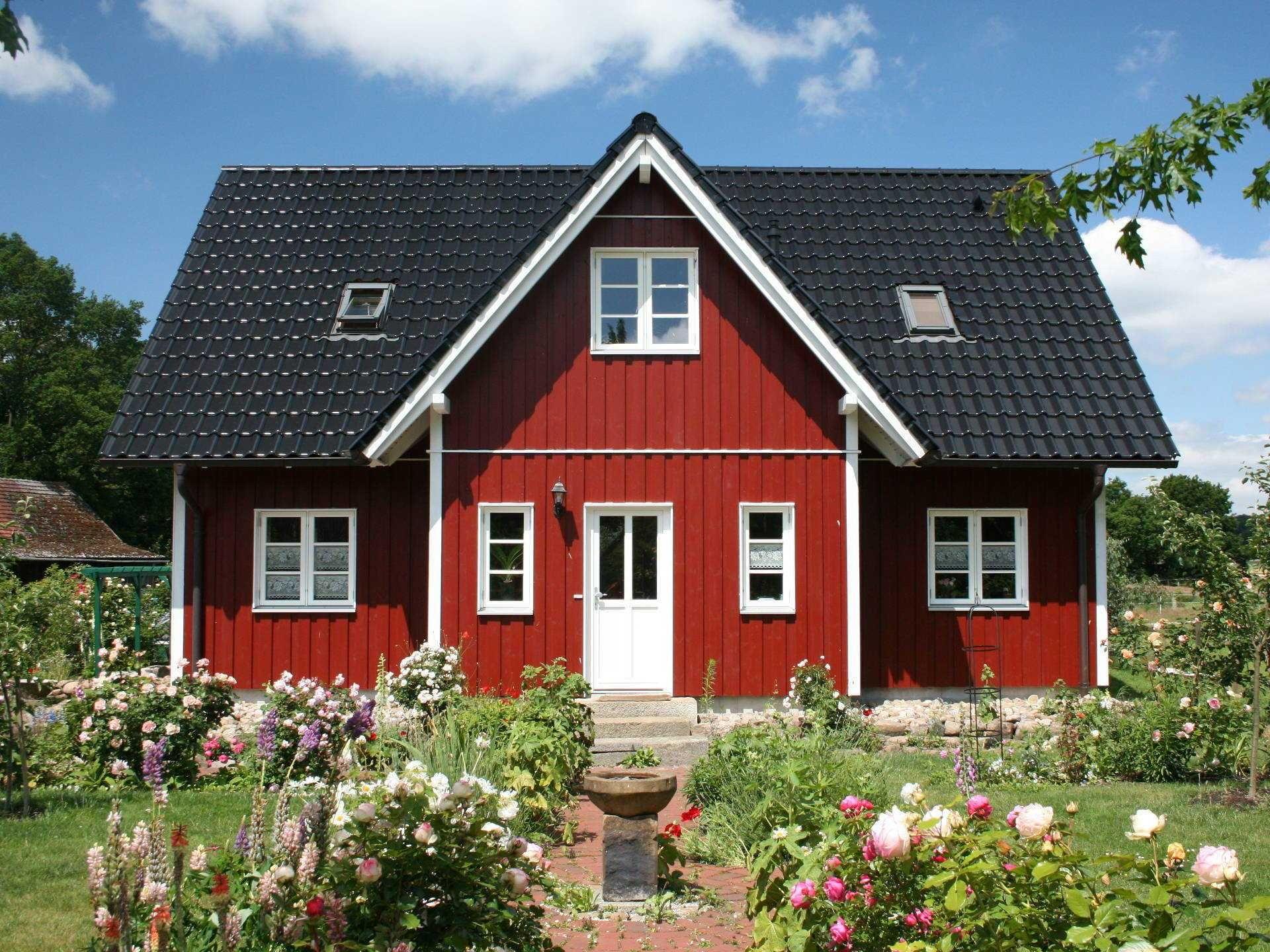 Leben wie in Bullerbü: Mit seiner rot-weißen Gestaltung könnte ...