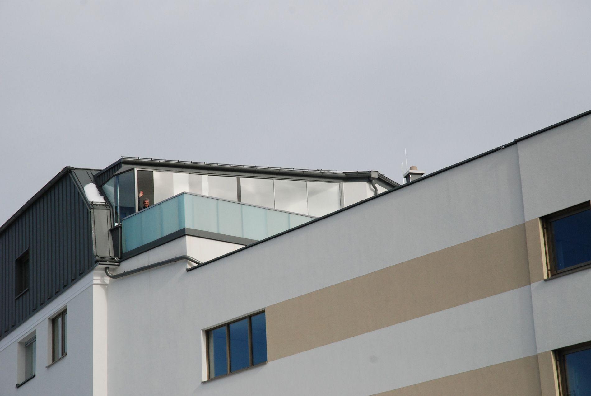 Wetterschutz auf Dachterrasse aus Glas | schiebbare Glaswände