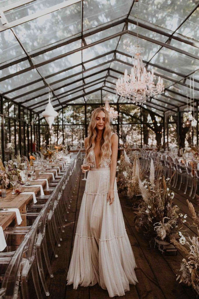 BRIDES STORIES | Berta, sleeveless bohemian wedding dress for free spirit bride. Wedding in greenhouse #bertaweddingdress