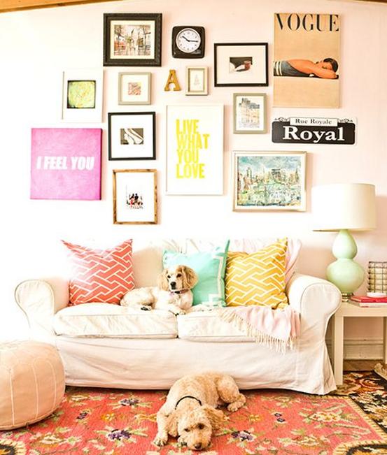 20 id es d co r aliser avec des cadres mur de cadres cadre deco et cadres. Black Bedroom Furniture Sets. Home Design Ideas