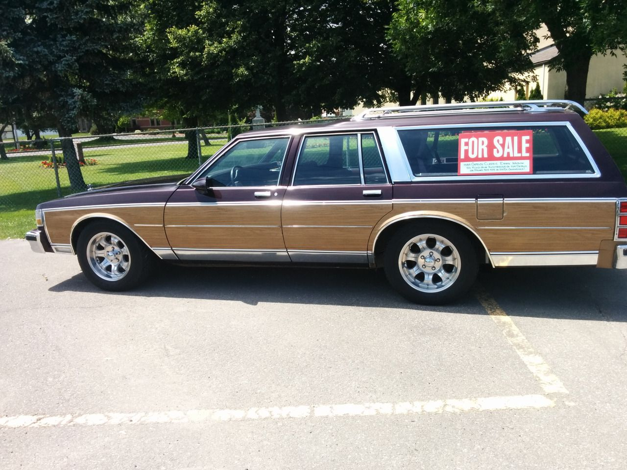 "B-Body beauty"": Spotted in St. Catharines, Ontario. A 1989 Caprice ..."