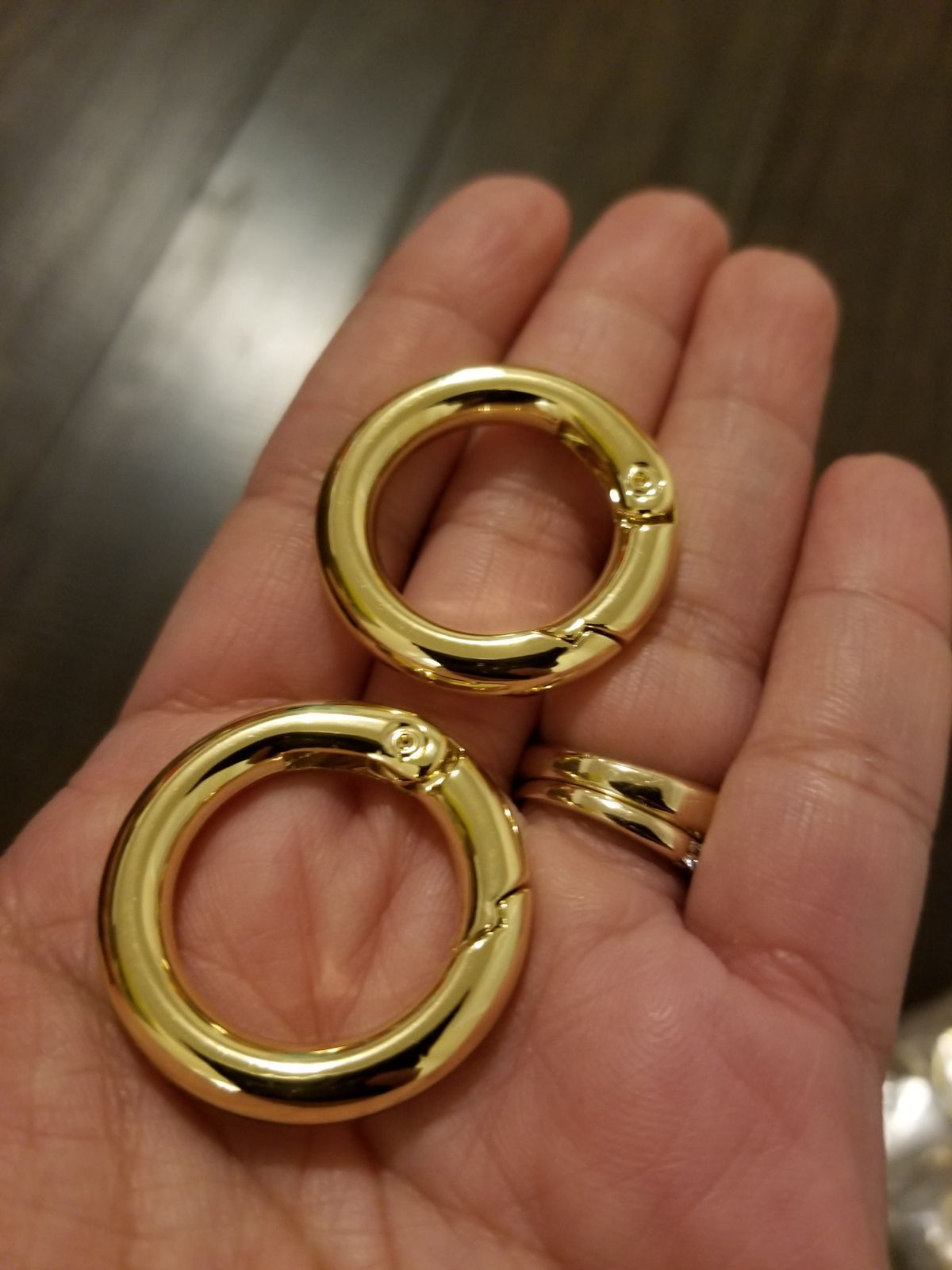 1 Pair O Rings For Jujube Super Be And Be Light In Polished Gold