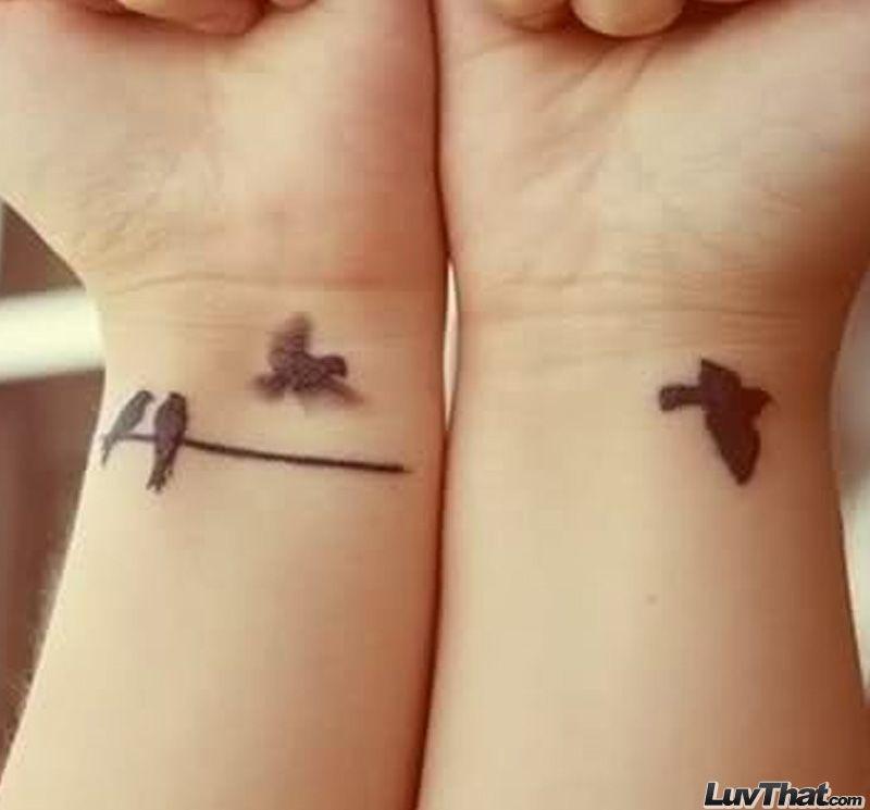 Small Inner Wrist Tattoos Birds: Quatre Oiseaux Poignet Tatouage