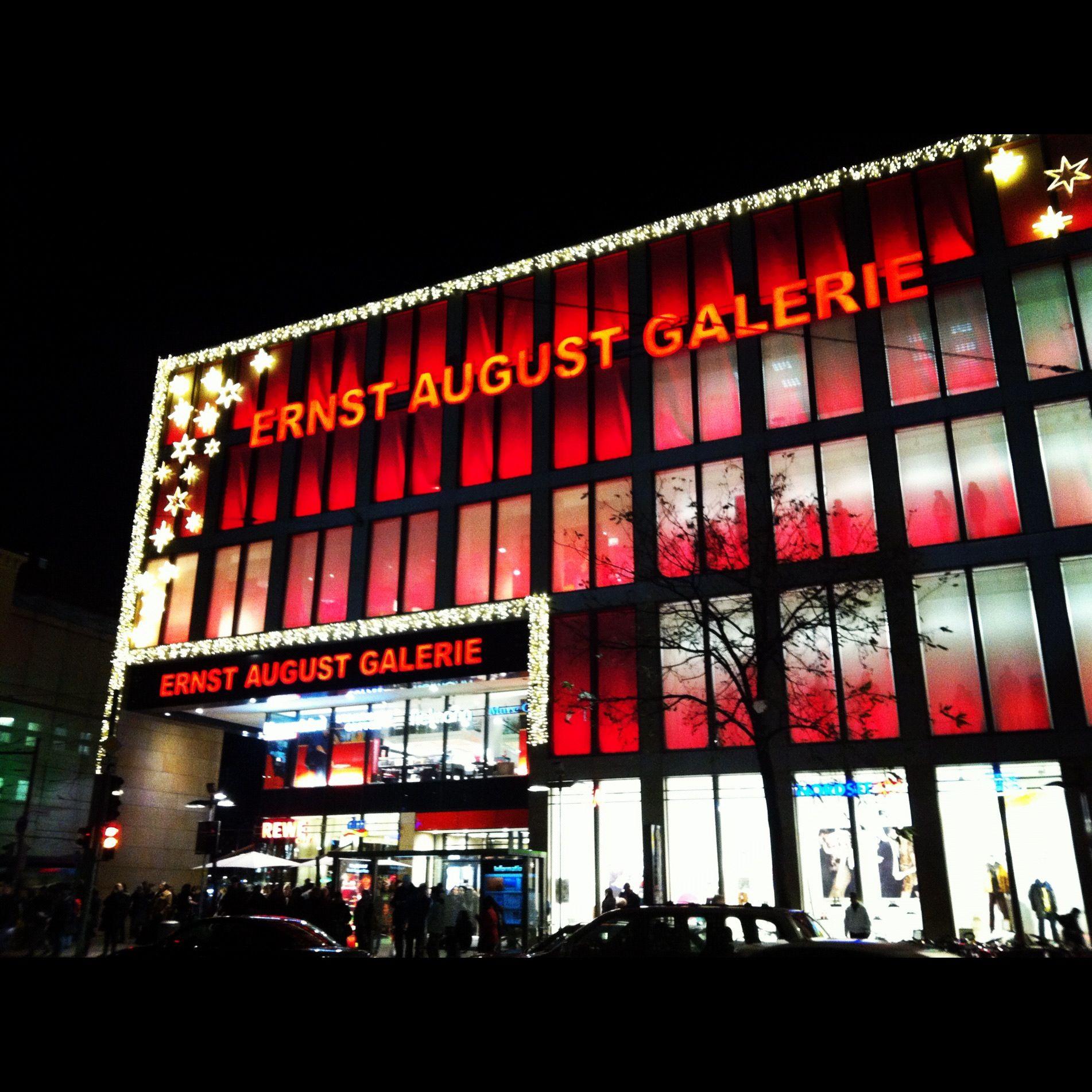 HANNOVER Innenstadt Ernst August Galerie rote Beleuchtung