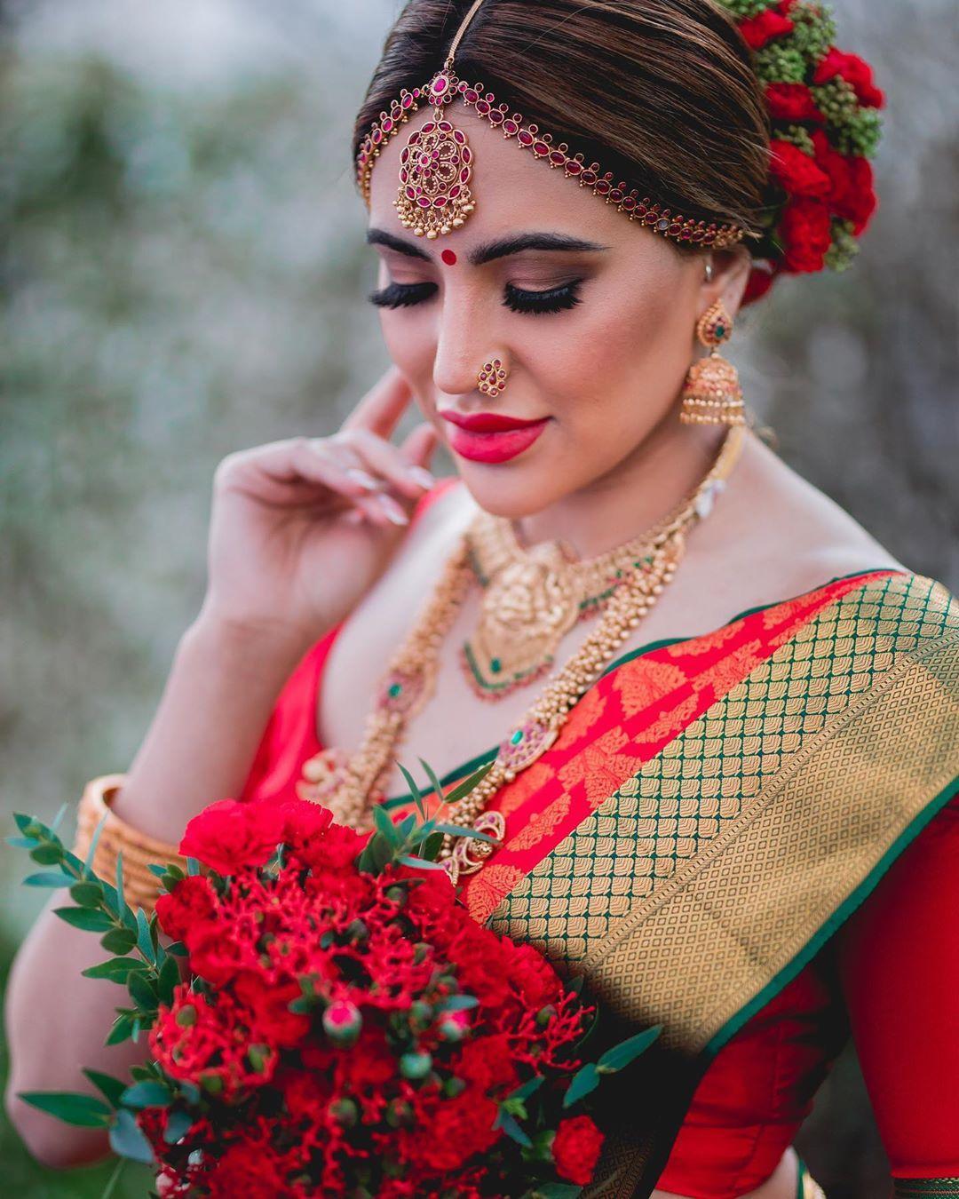 Pin oleh Shya di Tamil Bridal Makeup di 2020 Instagram
