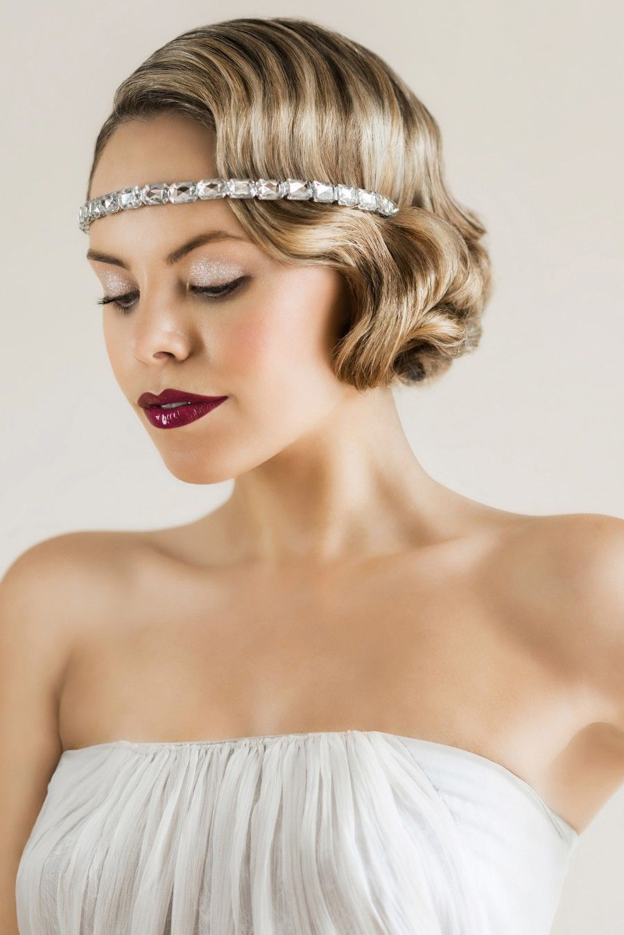 Create a 1920s bridal makeup look! Makeup by Lucy Jayne