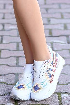 Spor Ayakkabi Modelleri Tozlu Com Bayan Ayakkabi Yeni Moda Moda