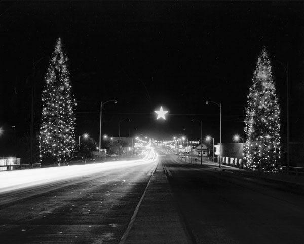 Christmas Trees On Kellogg Street Wichita Ks Creator Rorabaugh Millsap Studio Date Original 1955 Physical Details With Images Landscape Christmas Scenes Wichita