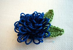 Loop Stitch Flower - free pattern - It's been far too long since I've posted a crochet flower pattern. I'm so excited to have another one ready for you and I think you're going to love it!