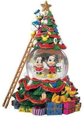 Disney Christmas Snow Globes.Disney Mickey And Friends Christmas Snow Globe Snow Globes