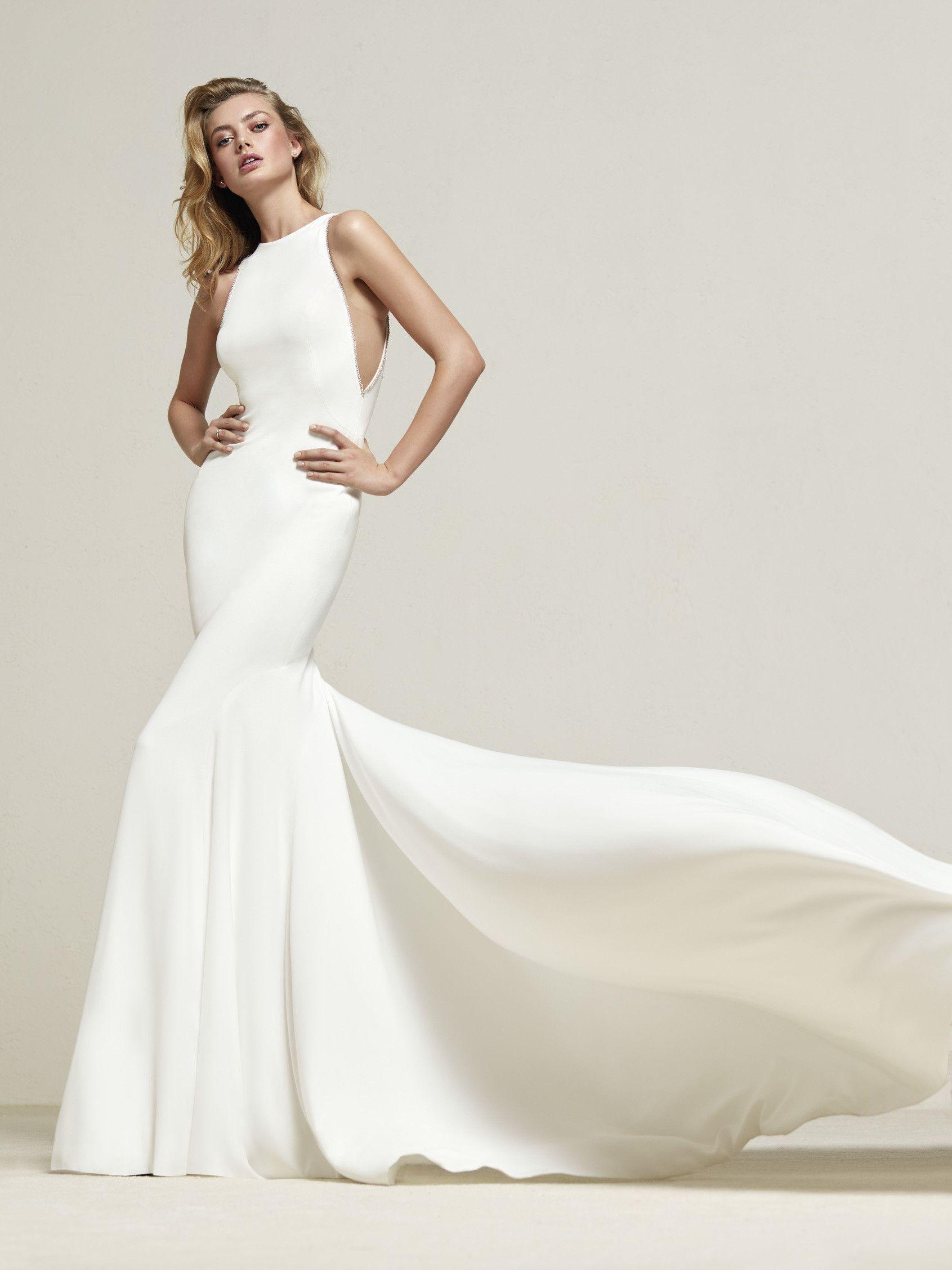 Mermaid dress wedding  Driosa Mermaid wedding dress with large train in crepe and tulle