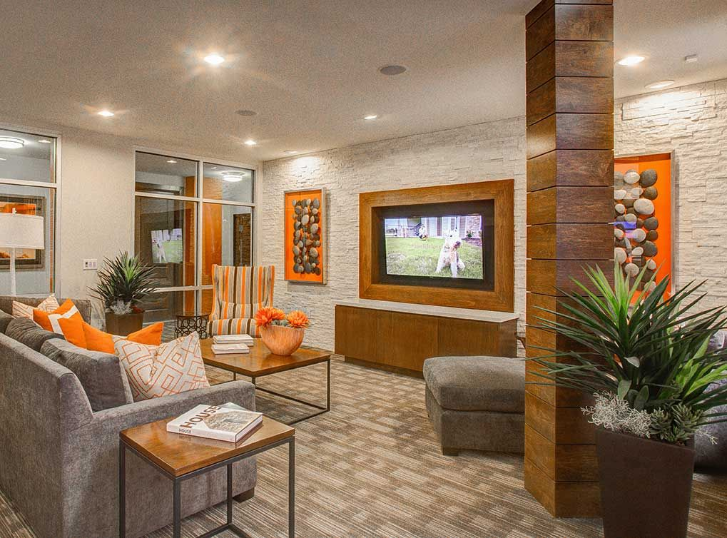 Resident Lounge And Clubroom At Amli Riverfront Park Lodo