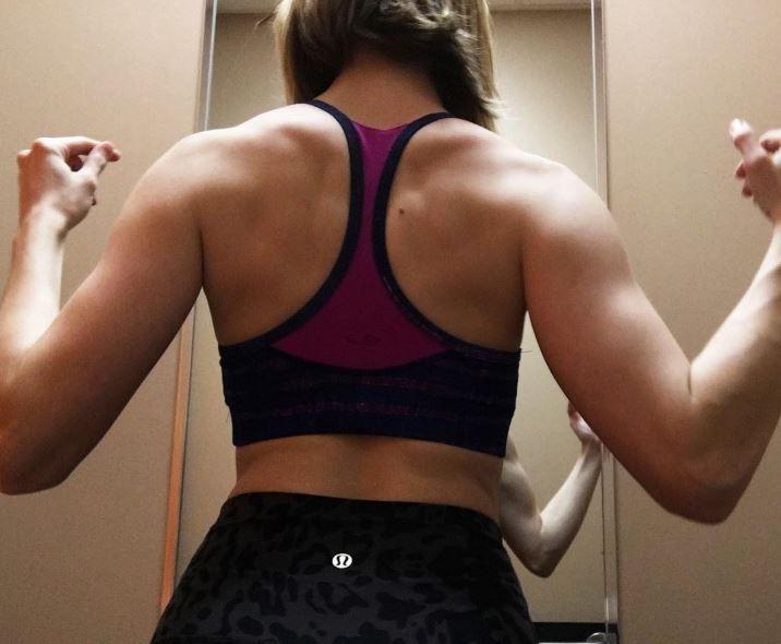 yoga para adelgazar brazos y espalda lastimada